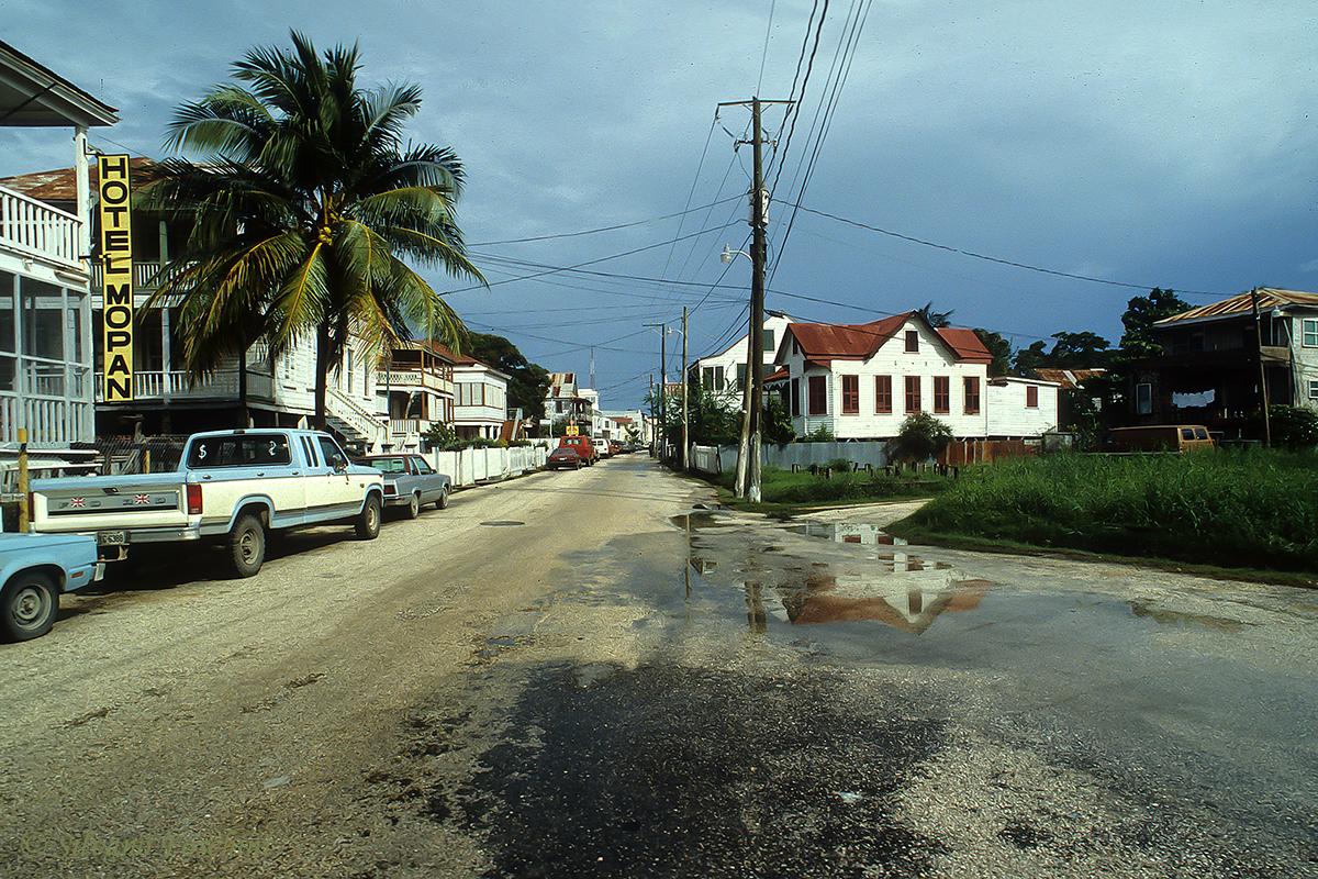 Belize \'90-000