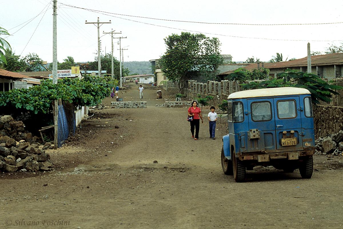 Galapagos \'85-001